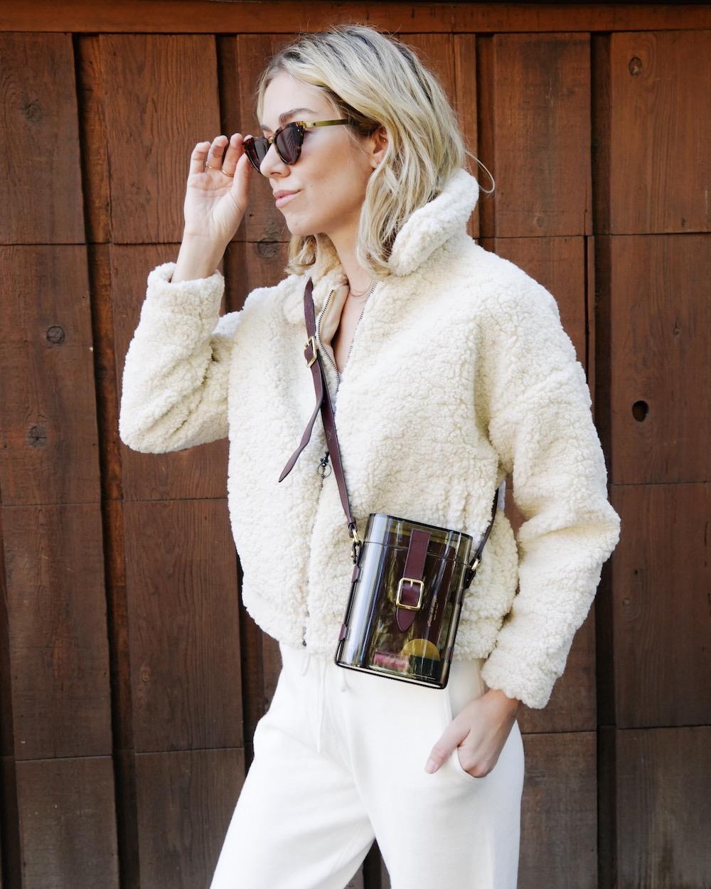#fauxfur #fauxfurcoat #Fauxfurjacket #teddycoat #oversizedjacket #fallstyle #fallguide #jacketsforwomen #jacketfashion #jacketsideas #coatsforwomen #coat #coatsjackets #cuteoutfits #fallfashioncoats #styleguide #cozyoutfit
