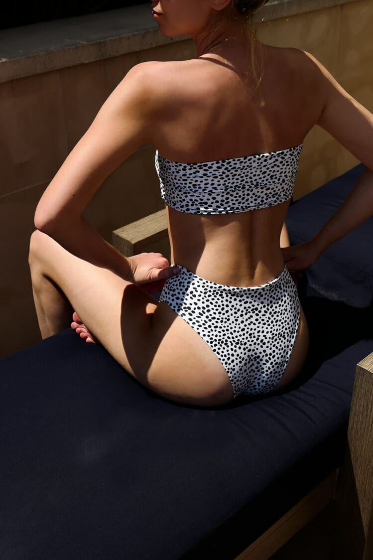 Find a cheap bikini in many sizes on Amazon!