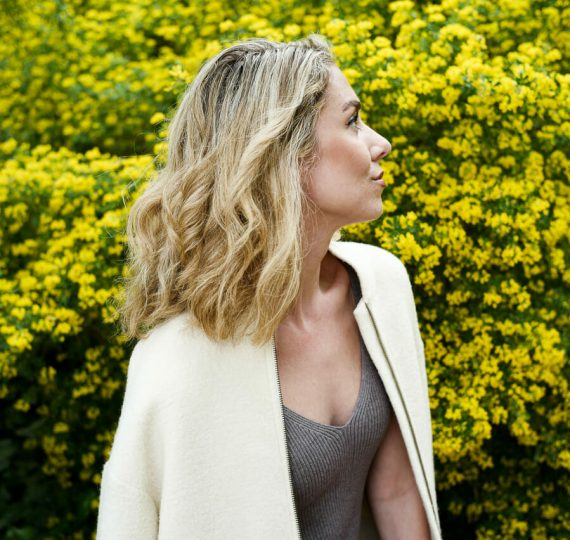 Vera-Casagrande_Healthy-Shiny-Hair-Products.jpg